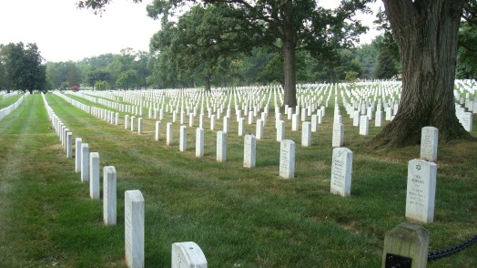 Arlington_Cemetery_White_Graves3